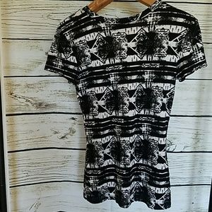 Rue21 Tops - Rue 21 stretch t shirt